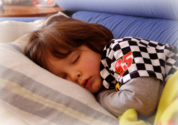 Dreaming child - Photo by Raul A